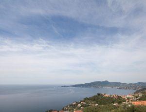 Rosso su Portofino il tipico rustico ligure